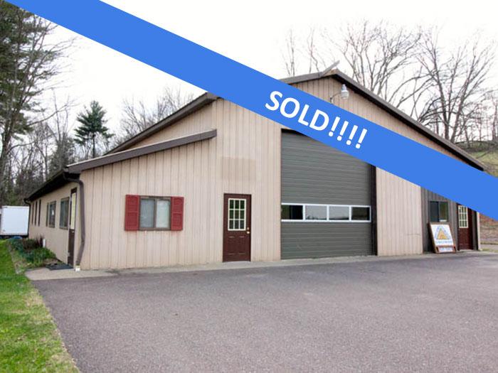 10 Acres, Garage, Office, Building Lot in Benton