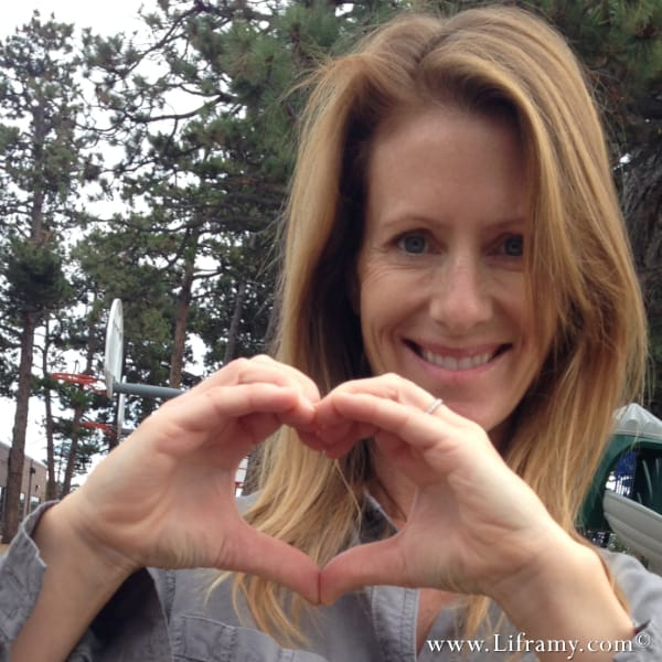 A Smiling Amy sends you Love from the Liframy jewelry studio