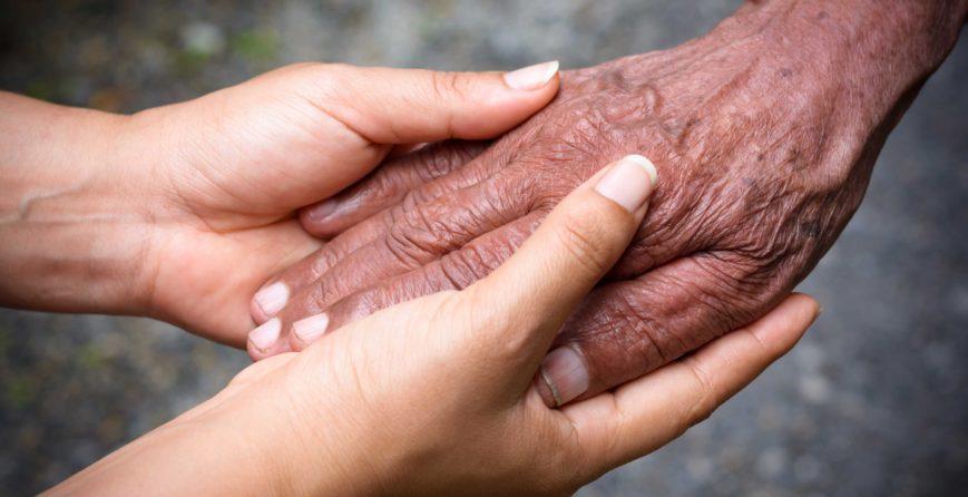 help-the-elderly-people