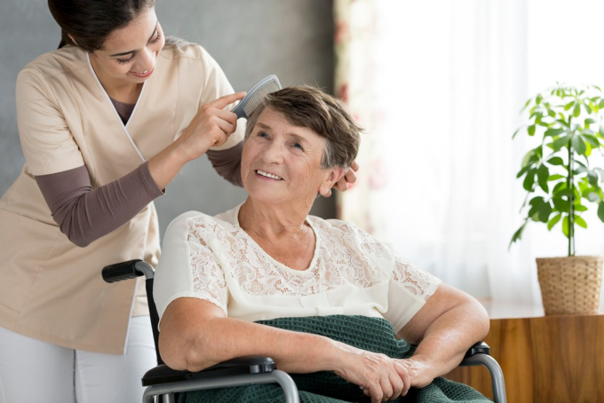 Subtle Signs That Your Loved One May Need Personal Care