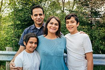 Inmigración A Través de Familia
