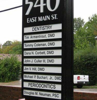Directional Pylon Signs