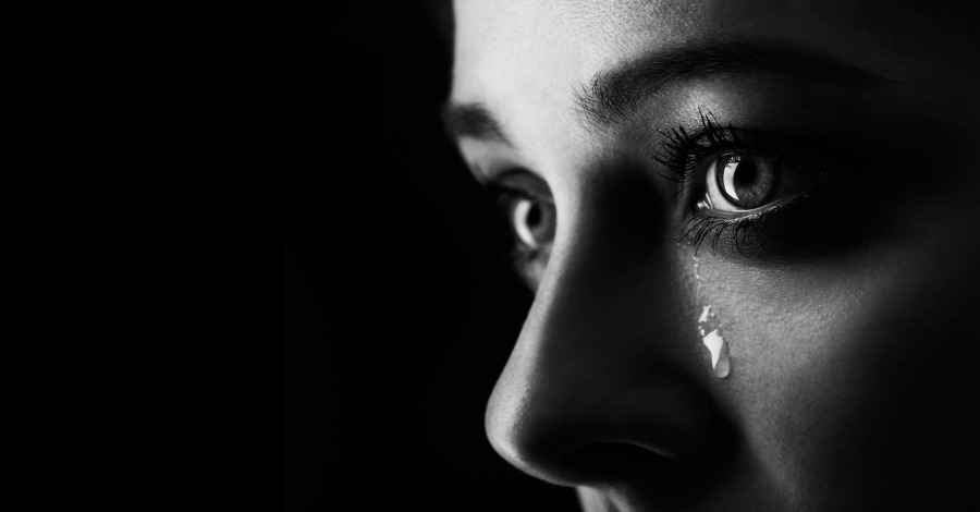 6 Reasons Why People Who Cry Are The Strong Ones