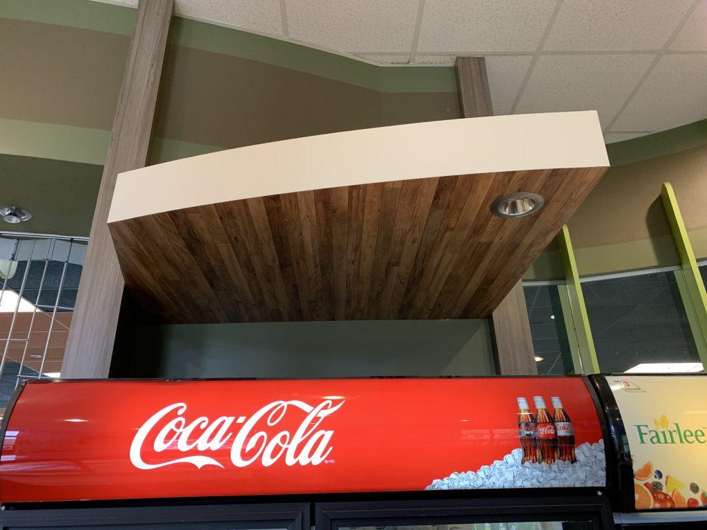 Vinyle autocollant bois dans cuisine commercial