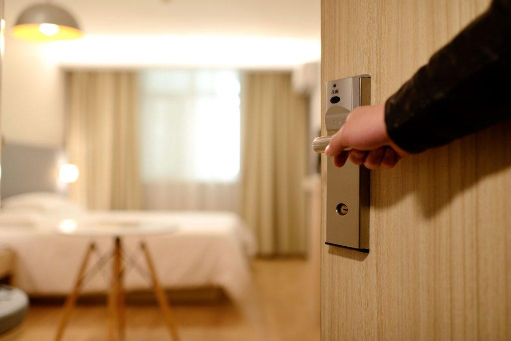 Rénovation hotel avec resurfaçage en vinyle