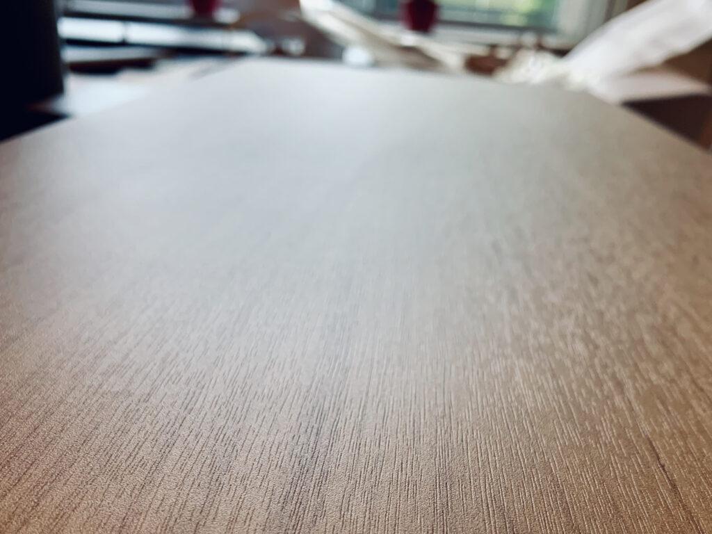 Resurfaçage de table en bois
