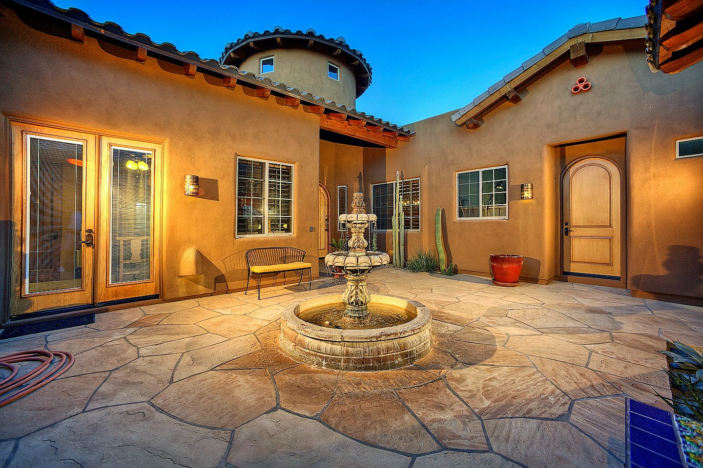 Courtyard-from-Casita-mn.jpg