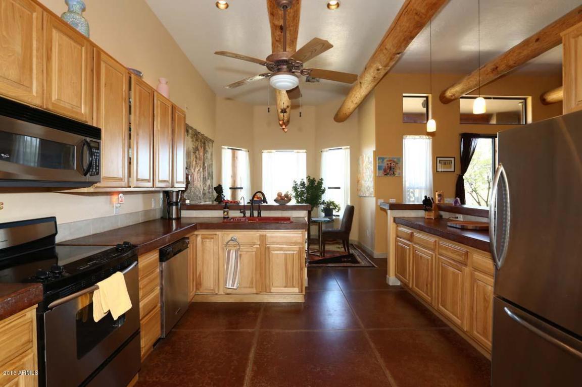 Kitchen-30615-N-16nd-St..jpg
