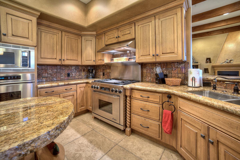 Scottsdale-Luxury-Kitchen.jpg