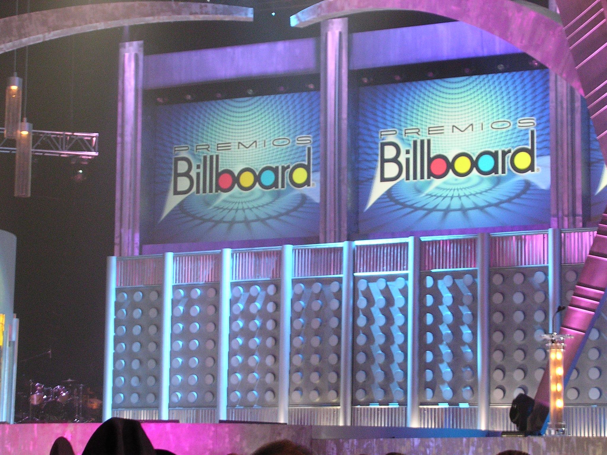 propmasters-billboards-awards-sets-09
