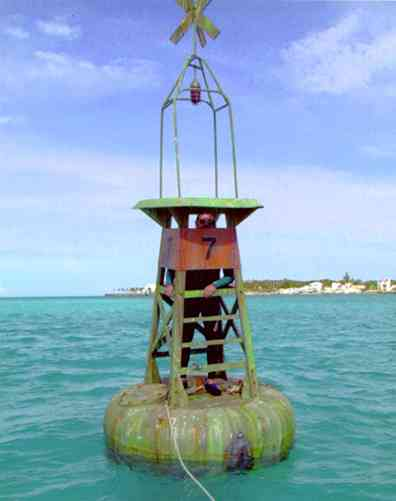 propmasters-props-bouy
