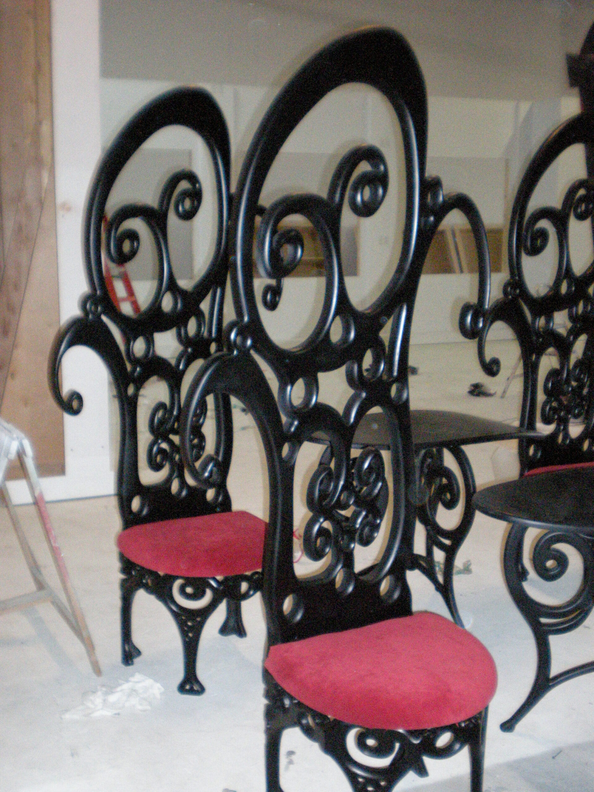 propmasters-props-chairs