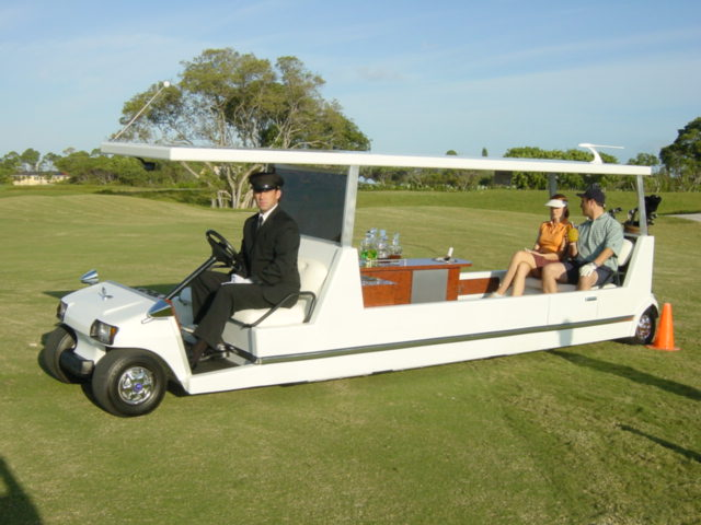 propmasters-props-funhouse-golf-cart