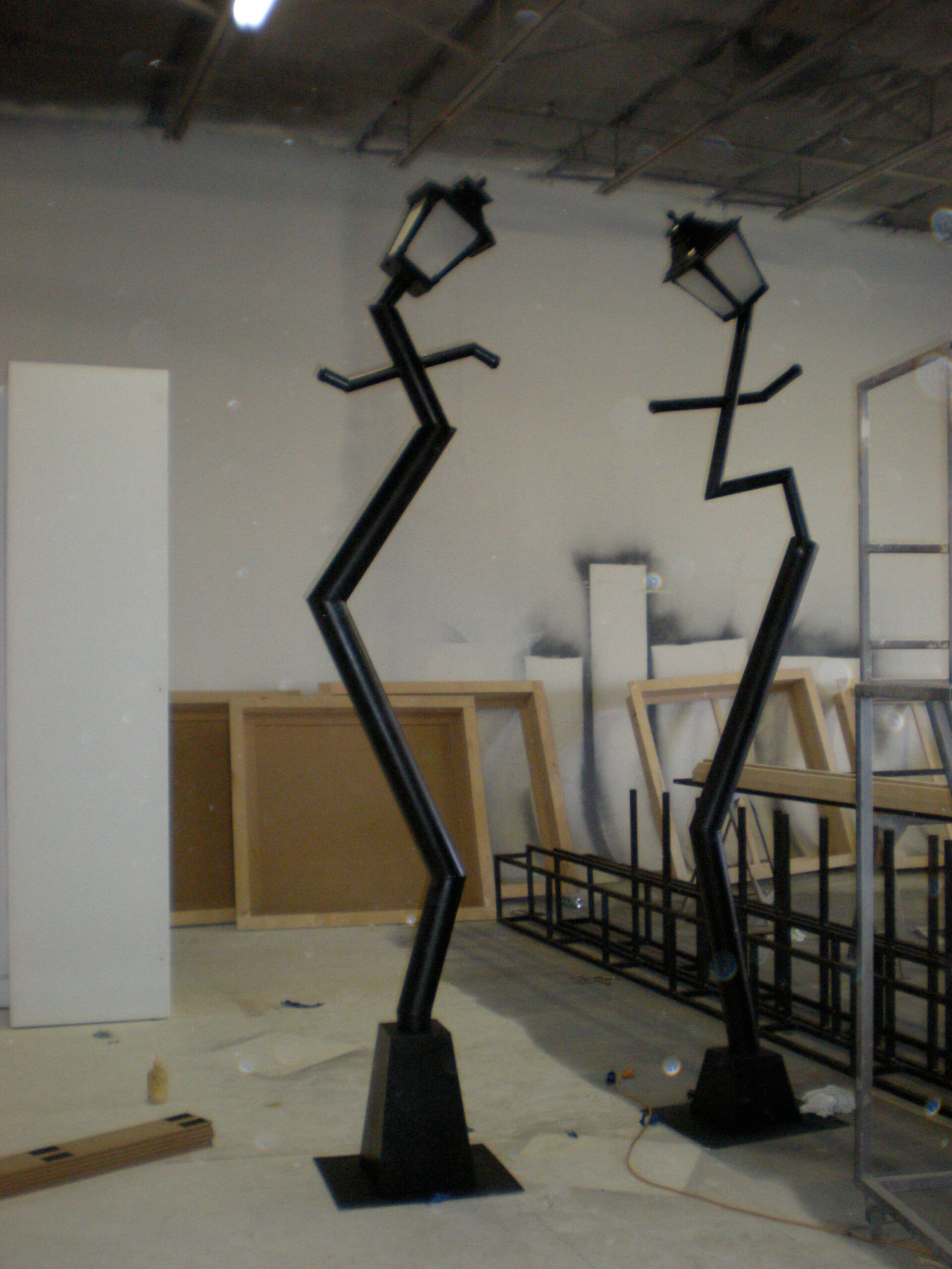 propmasters-props-funhouse-light-posts