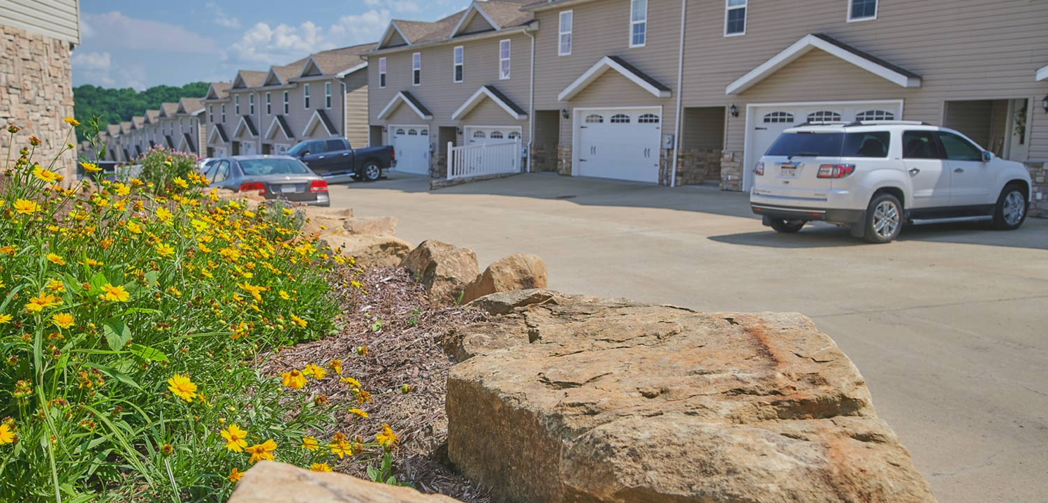 Graycliff Luxury Townhomes detail with landscaping