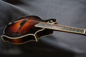 mandolin-f5-03650