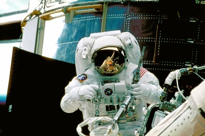 astronaut-989_1920