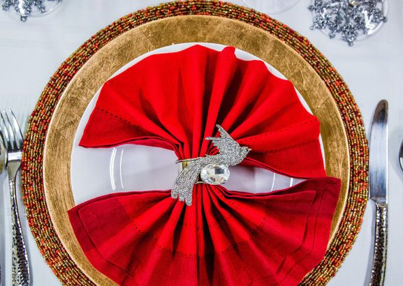 DIY HOLIDAY NAPKIN RINGS AND TABLE SCAPE