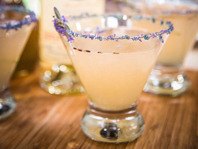 LAVENDER LEMONADE COCKTAIL