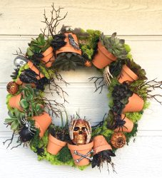 Terra Cotta Pot Halloween Wreath