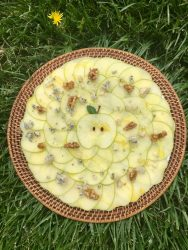 GREEN APPLE CARPACCIO WITH BLUE CHEESE