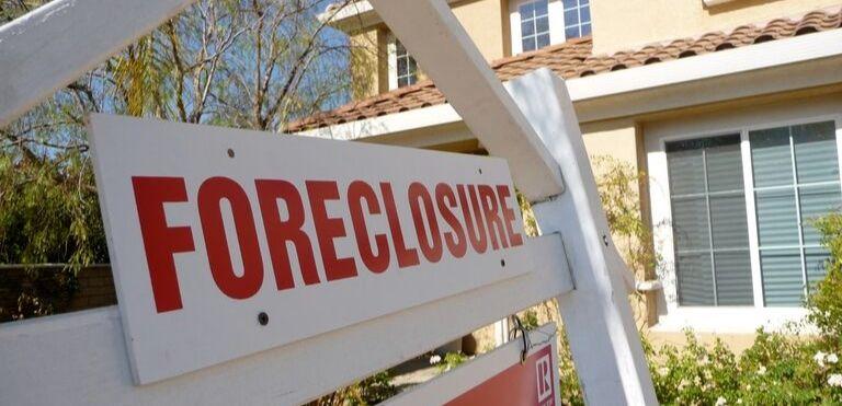 foreclosure sign real estate law fargo