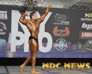 2020 IFBB Pro League NY Pro CLassic Physique Winner Logan Franklin Posing Routine Video