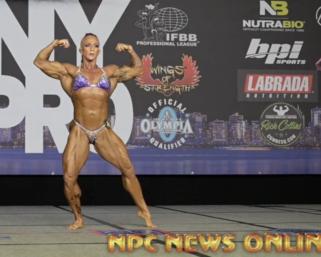 2020 @ifbb_pro_league NY Pro Women's Bodybuilding Pro Janeen Lankowski Posing Routine.