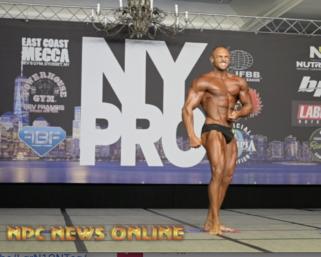 2020 @ifbb_pro_league NY Pro 7th Place Classic Physique Winner Arturo Mendez Posing Routine