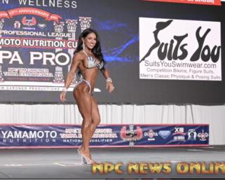 2020 IFBB Pro League Tampa Pro Wellness Winner Renee Harshey Posing Routine