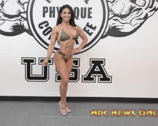 Road To The IFBB Pittsburgh Pro 2021 – Renee Harshey Posing