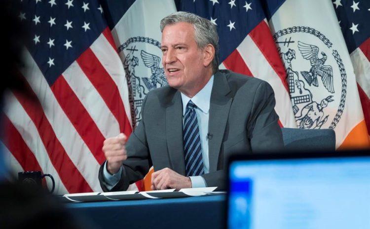 Nueva York amplía el toque de queda hasta el domingo y condena la violencia