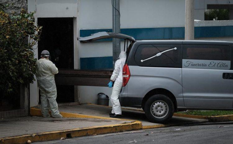 Salud: 49 fallecidos por cada 100 mil habitantes a causa del COVID-19