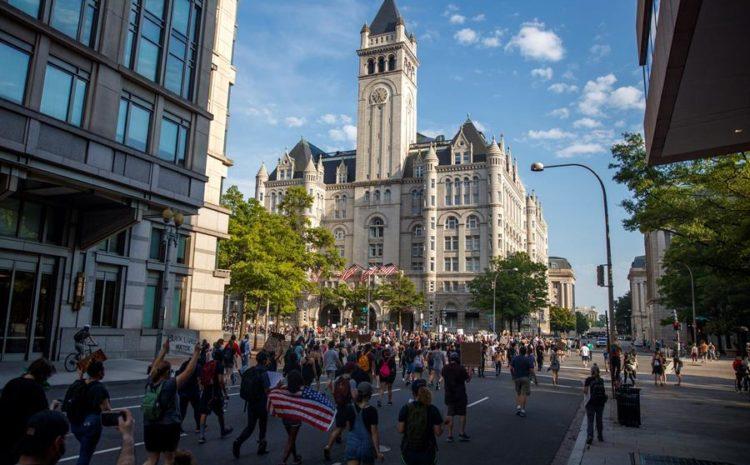 Washington retira el toque de queda tras una noche de protestas pacíficas