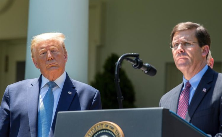 El jefe del Pentágono contradice a Trump al rechazar un despliegue militar en EE.UU.