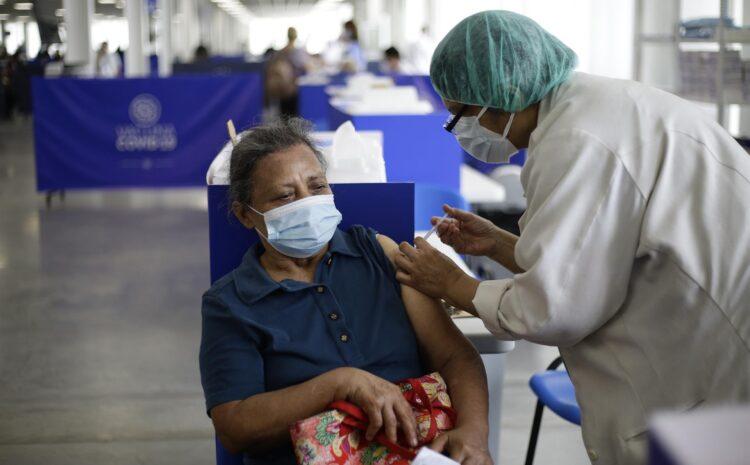 El Salvador recibe 96.000 vacunas de AstraZeneca y suma 2,7 millones de dosis