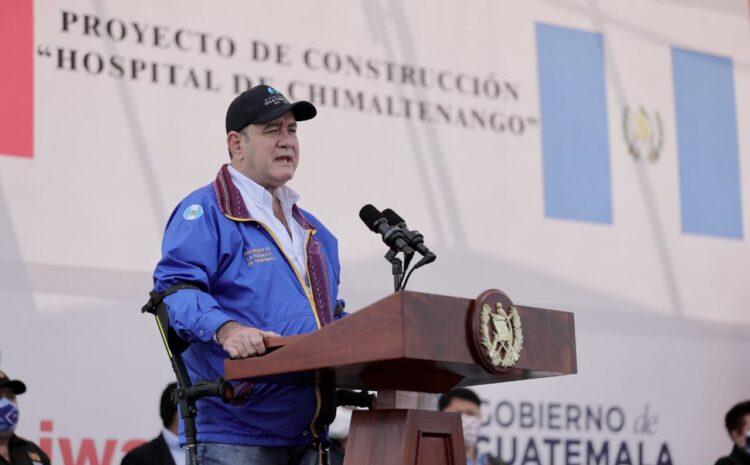Nueva variante de COVID-19 de la India podría estar en Guatemala, dice Giammattei