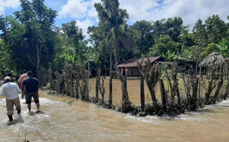 Más de 3 mil personas resultaron afectadas por las lluvias del fin de semana, según la Conred