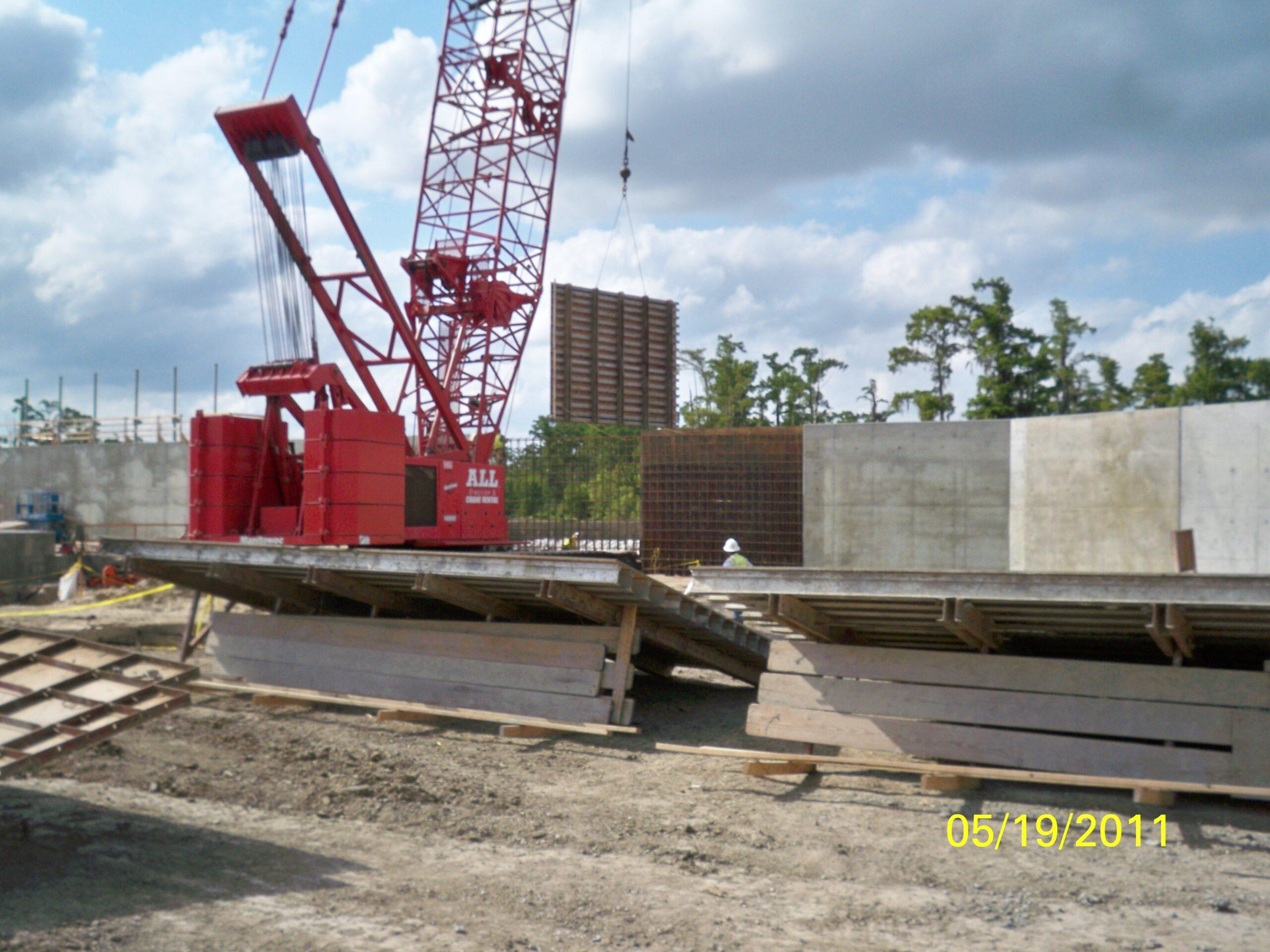 LPV07b.2 Cross Bayou Drainage Pump Station and Levee