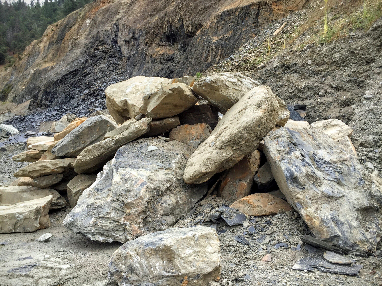 Chili Bar Slate Sierra Boulders