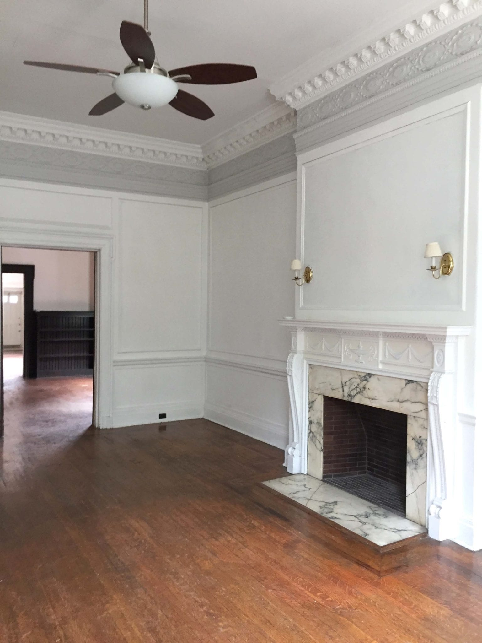 16 Middle Room