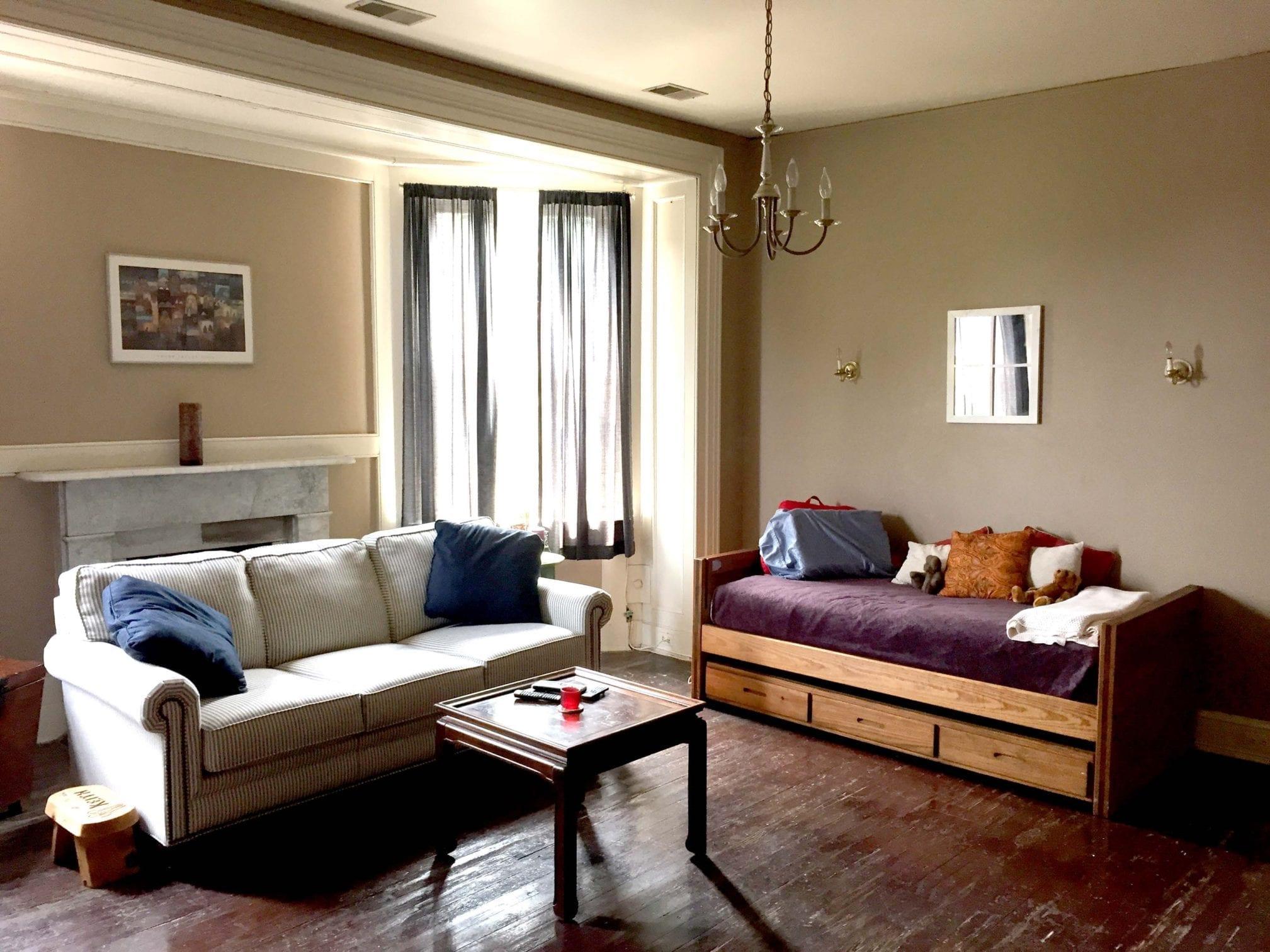 47 3F Living Room