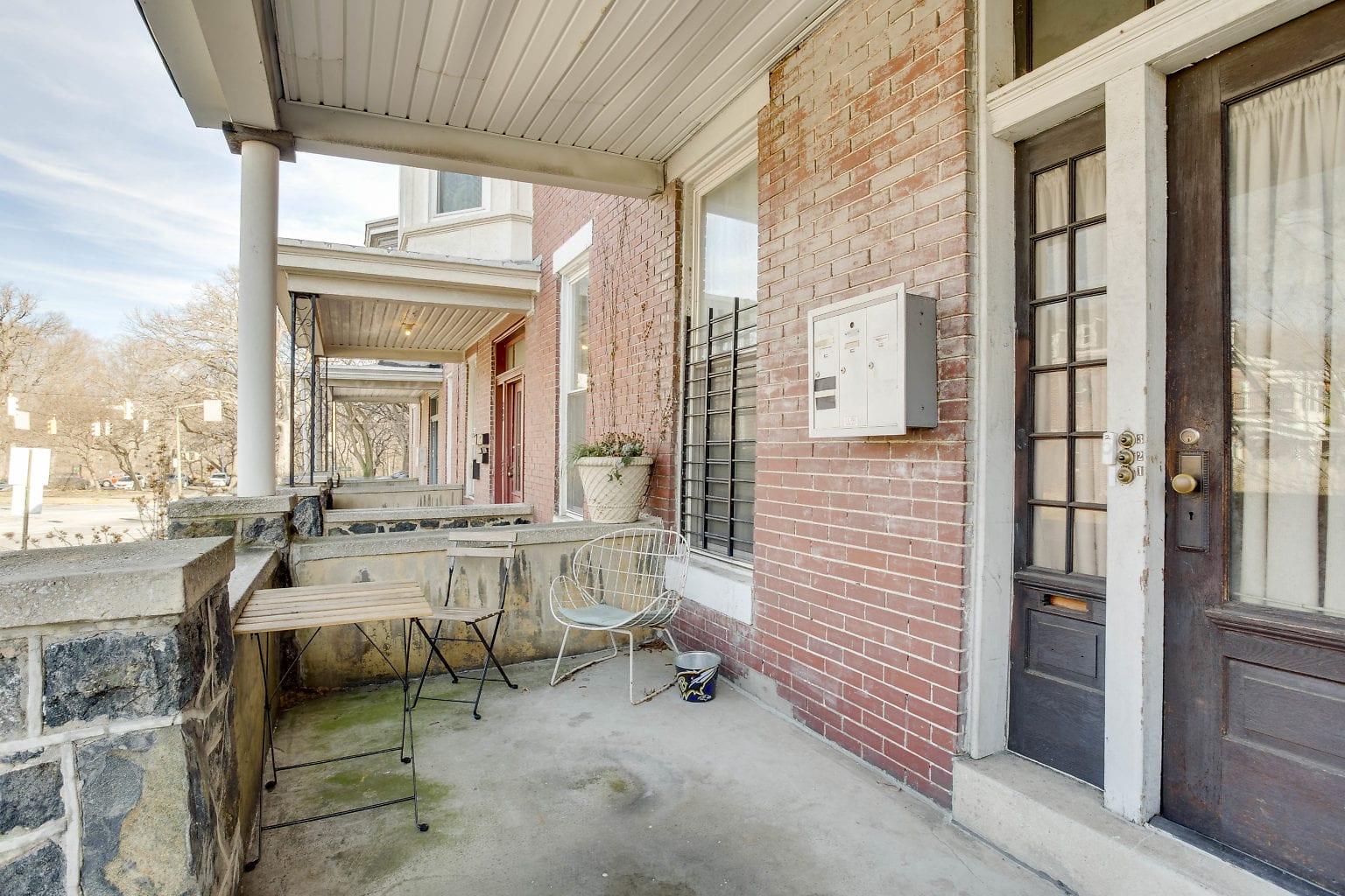 03 Front Porch