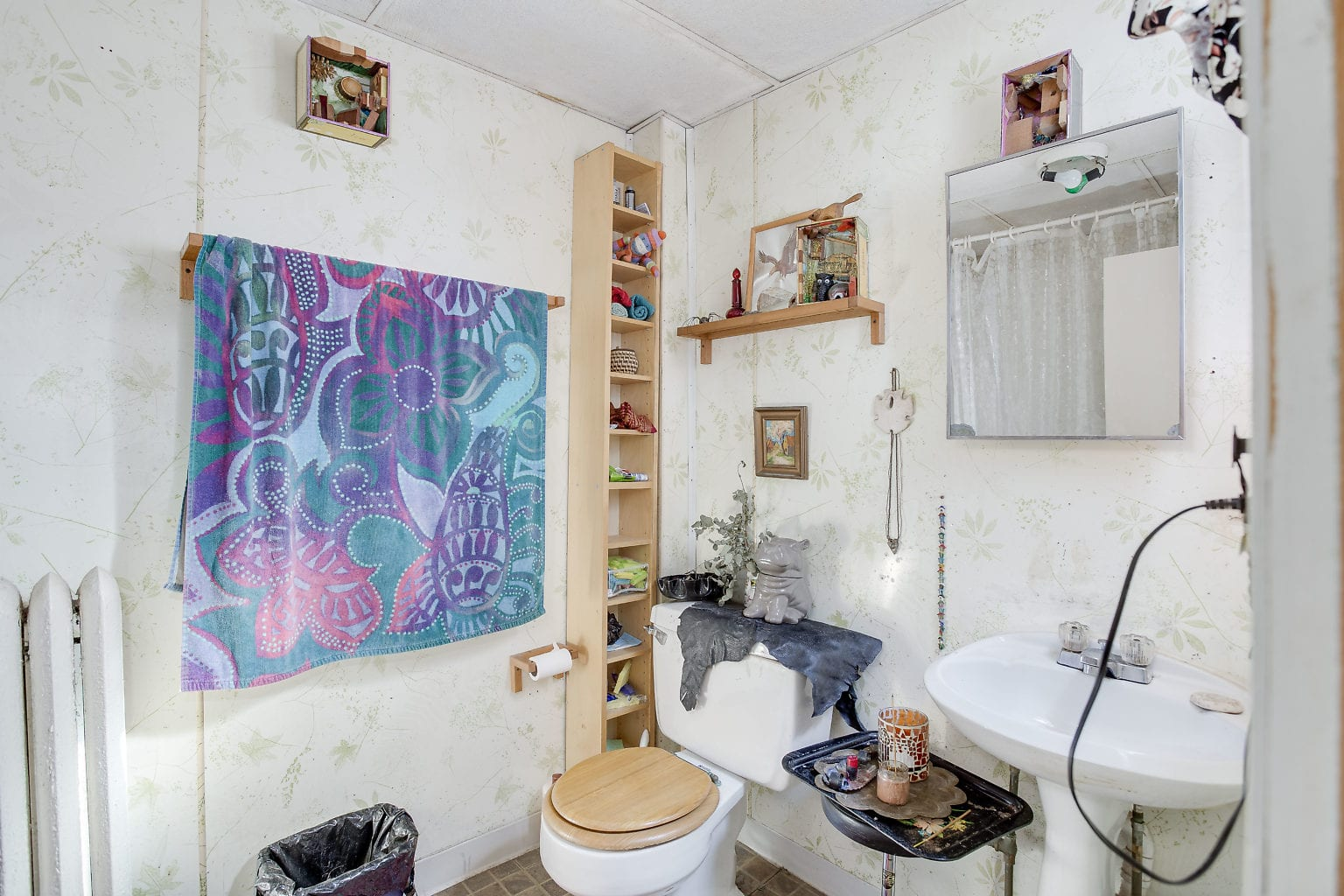 37 3rd Flr Bathroom
