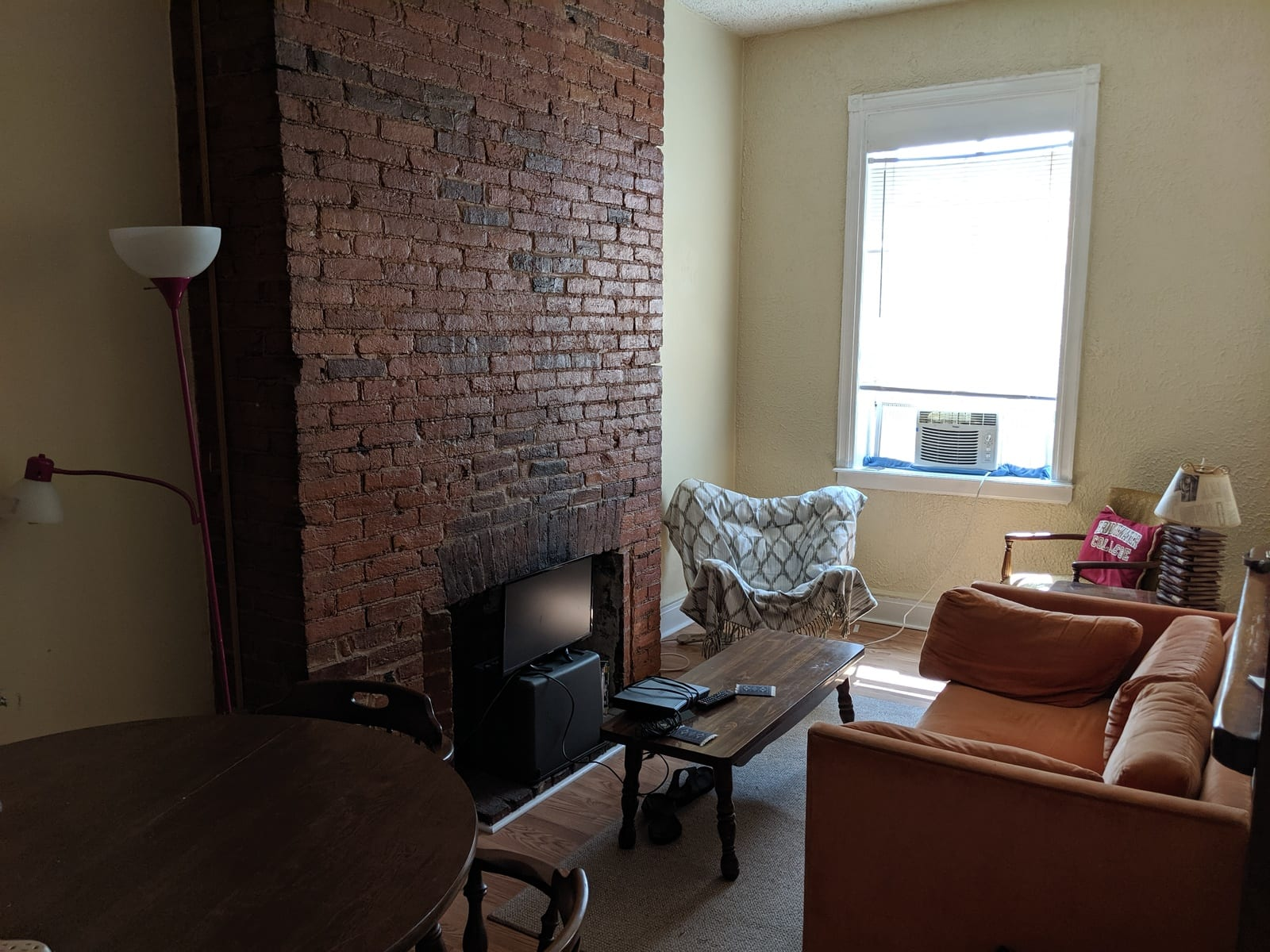 61 617 Paca 3 Living room