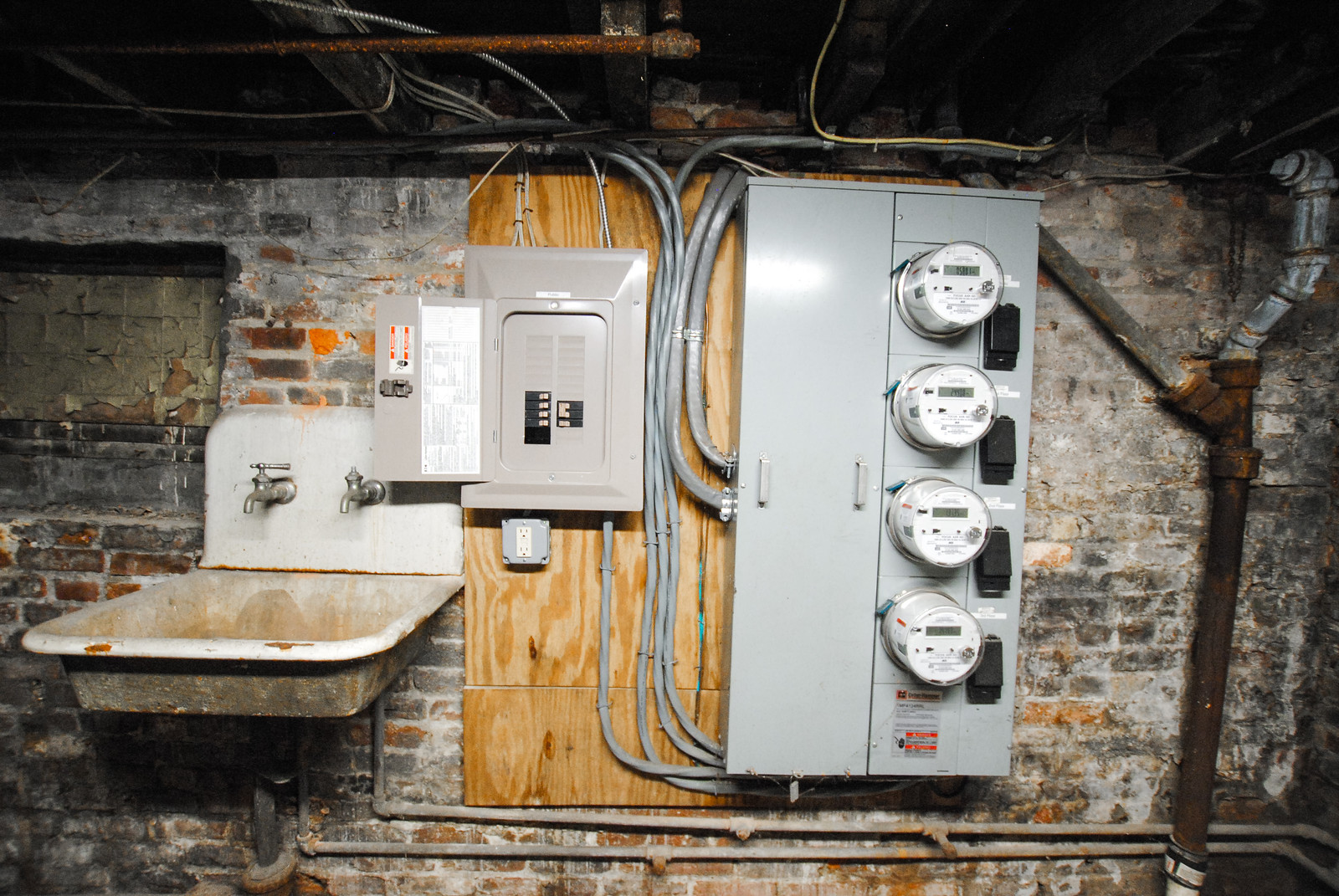 81 Electric Meteres