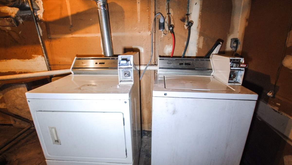 84 laundry_200116024833