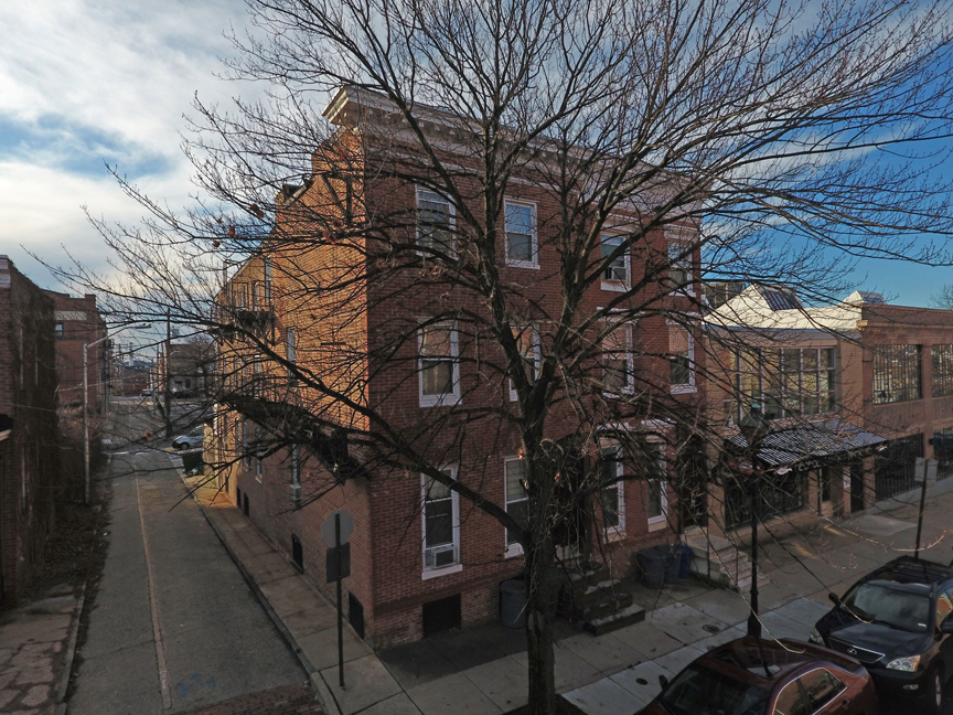 869-871 Hollins St:  8 fully leased apartments next to University of Maryland Bio-Park