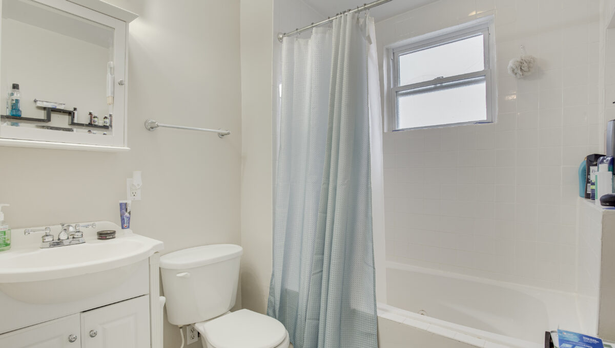 2nd Floor Bath