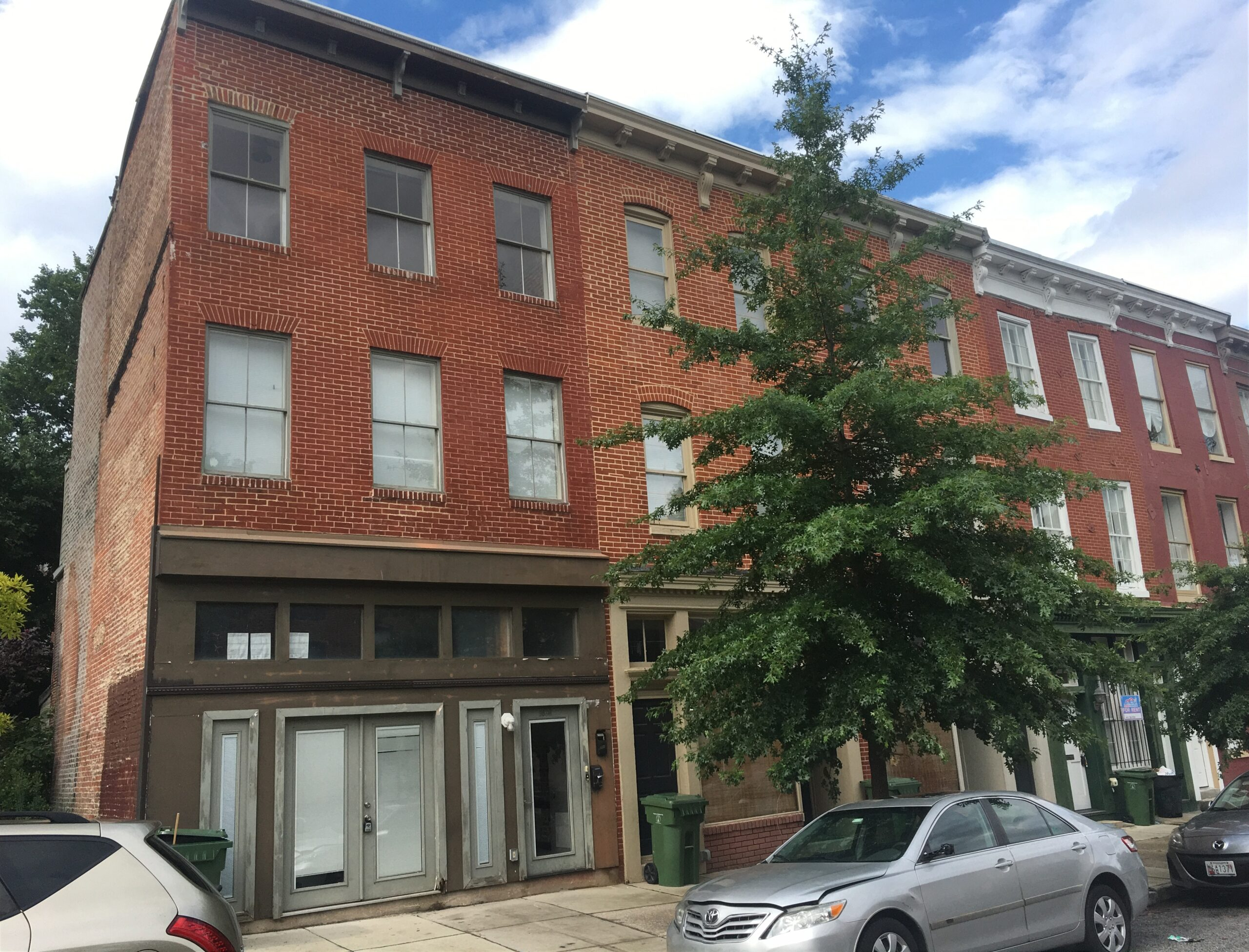 1030 Hollins Street 2 Apartments 1 Retail Space Hollins Market District Value Add  Opportunity!